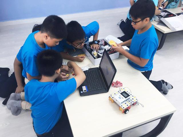 """Trường THCS Nguyễn Văn Tố ra mắt sân chơi khoa học """"VESA Robotics Club"""" - Ảnh 4."""