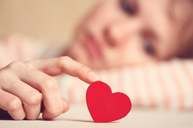 Vì sao bạn không nên vội vã đâm đầu vào một mối quan hệ mới? - Ảnh 1.