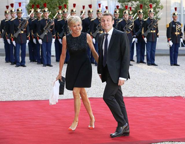 Chuyện tình lãng mạn của tân Tổng thống Pháp Emmanuel Macron - Ảnh 9.