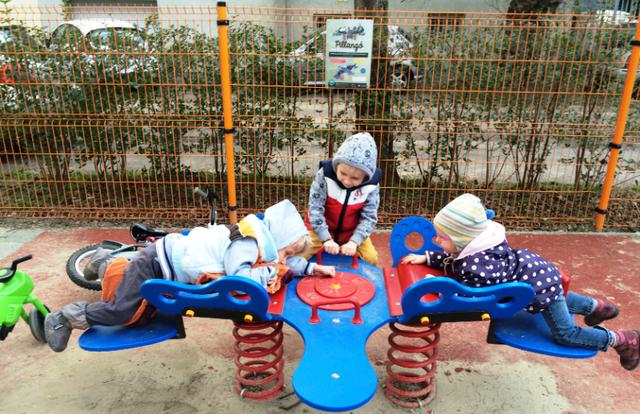 Sân chơi thiết kế đặc biệt cho trẻ khuyết tật - Ảnh 3.