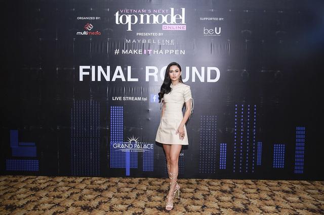 Mâu Thủy, Ngọc Châu nổi bật trong buổi chấm thi Top Model Online 2017 - Ảnh 1.