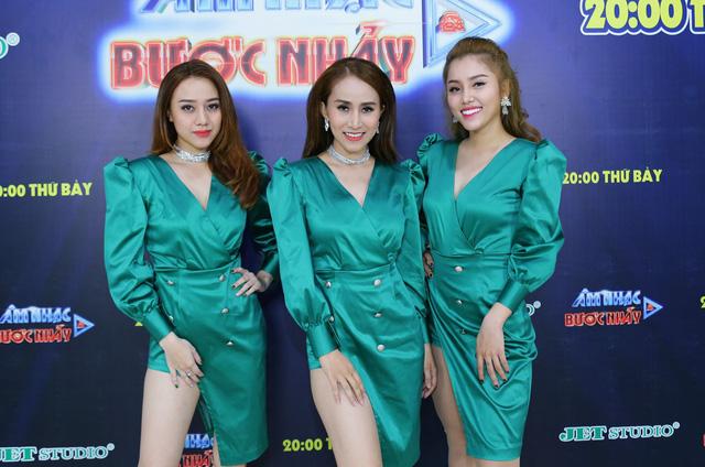 Âm nhạc và Bước nhảy: Thanh Duy Idol tạo dáng bá đạo như mỹ nhân Hàn Quốc - Ảnh 11.