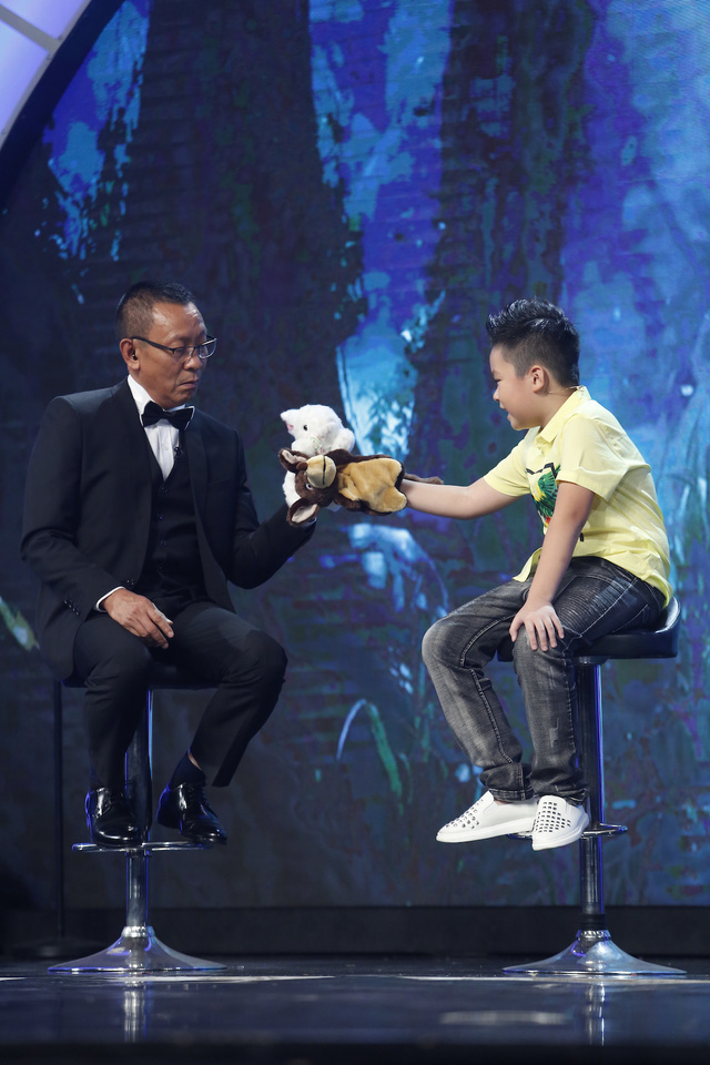 Mặt trời bé con: Nhà báo Lại Văn Sâm bị phê bình tư duy thiếu logic trên sóng truyền hình - Ảnh 2.