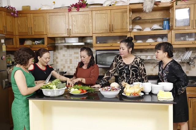 Hồng Vân, Việt Hương bí mật tạo bất ngờ tại nhà chung Bước nhảy ngàn cân - Ảnh 1.