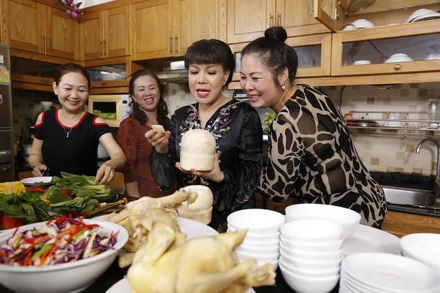 Hồng Vân, Việt Hương bí mật tạo bất ngờ tại nhà chung Bước nhảy ngàn cân - Ảnh 2.