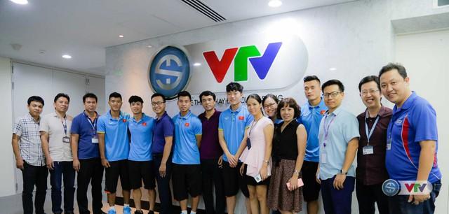 Xuân Trường, Công Phượng, Văn Thanh phô diễn kỹ thuật tại trường quay của VTV - Ảnh 18.
