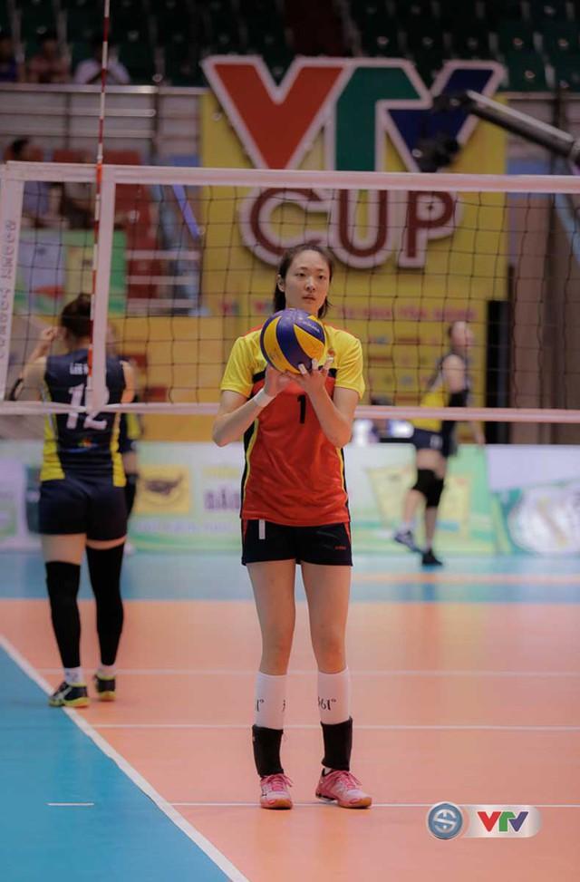 VTV Cup Tôn Hoa Sen 2017: Những bóng hồng vạn người mê trên sân đấu VTV Cup - Ảnh 11.