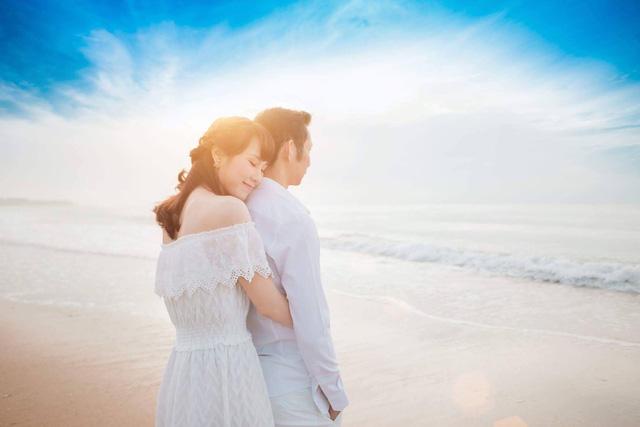Vợ chồng Tiến Minh hẹn hò ngày Valentine - Ảnh 1.