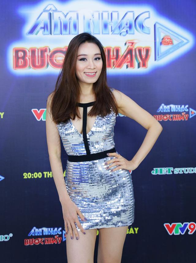 Âm nhạc và Bước nhảy: Thanh Duy Idol tạo dáng bá đạo như mỹ nhân Hàn Quốc - Ảnh 12.