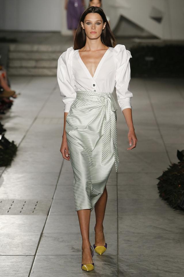 Thí sinh vồ ếch năm nào của Americas Next Top Model nay đầy quyến rũ ở Tuần lễ thời trang - Ảnh 6.