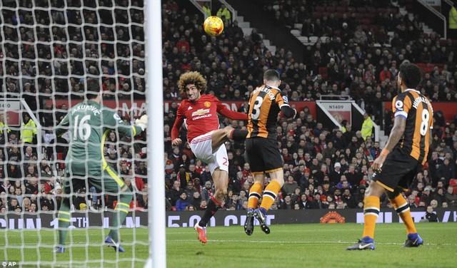 Bán kết League Cup: Man Utd 2-0 Hull City: Quỷ đỏ đặt 1 chân vào chung kết - Ảnh 3.