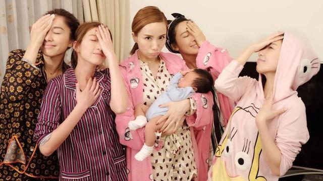 Vừa sinh con, Hồ Hạnh Nhi tưng bừng tổ chức sinh nhật cùng bạn bè - Ảnh 2.