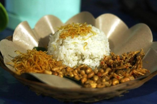 Hai món ăn đường phố dưới 25.000 đồng ở Indonesia - Ảnh 1.