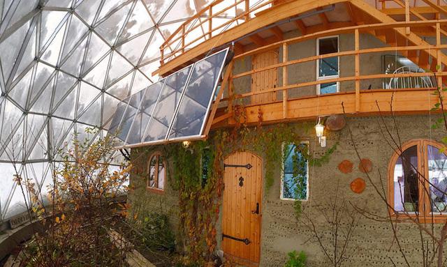 Căn nhà có vỏ đặc biệt thách thức thời tiết khắc nghiệt - Ảnh 2.