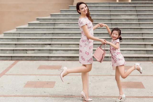 Hoa hậu Du lịch Ngọc Diễm rạng rỡ bên con gái yêu - Ảnh 7.