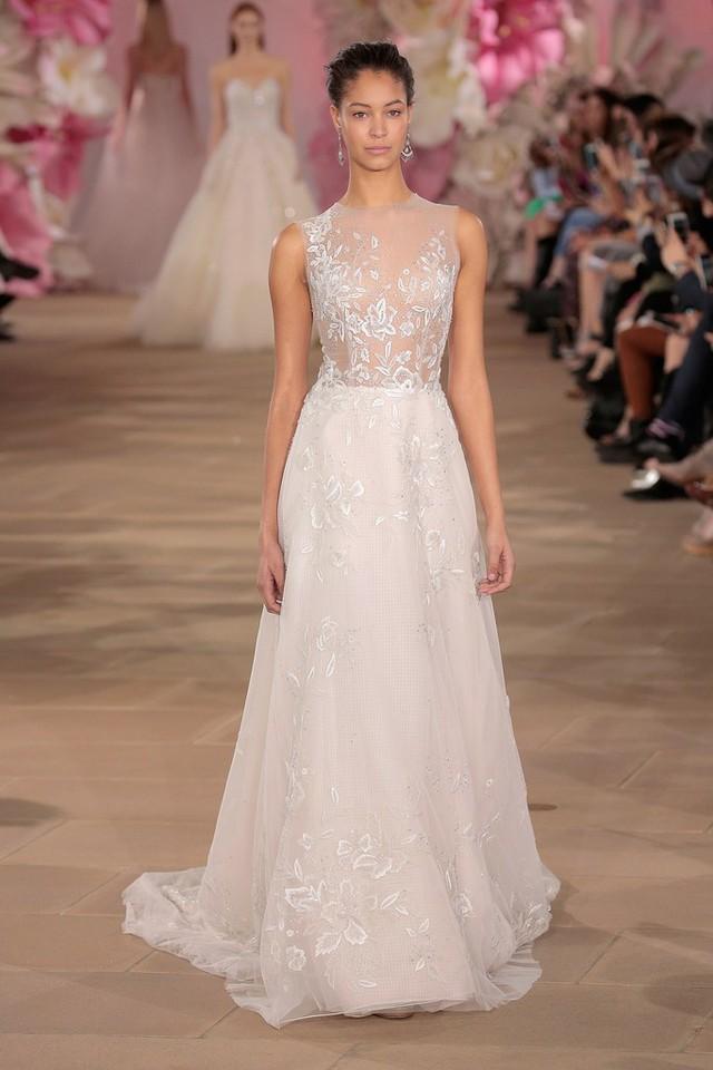 Những mẫu váy cưới tuyệt đẹp cho mùa cưới 2017 - Ảnh 10.