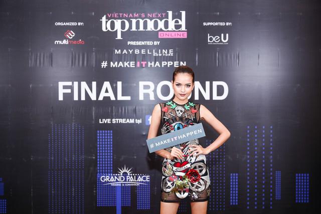 Mâu Thủy, Ngọc Châu nổi bật trong buổi chấm thi Top Model Online 2017 - Ảnh 3.