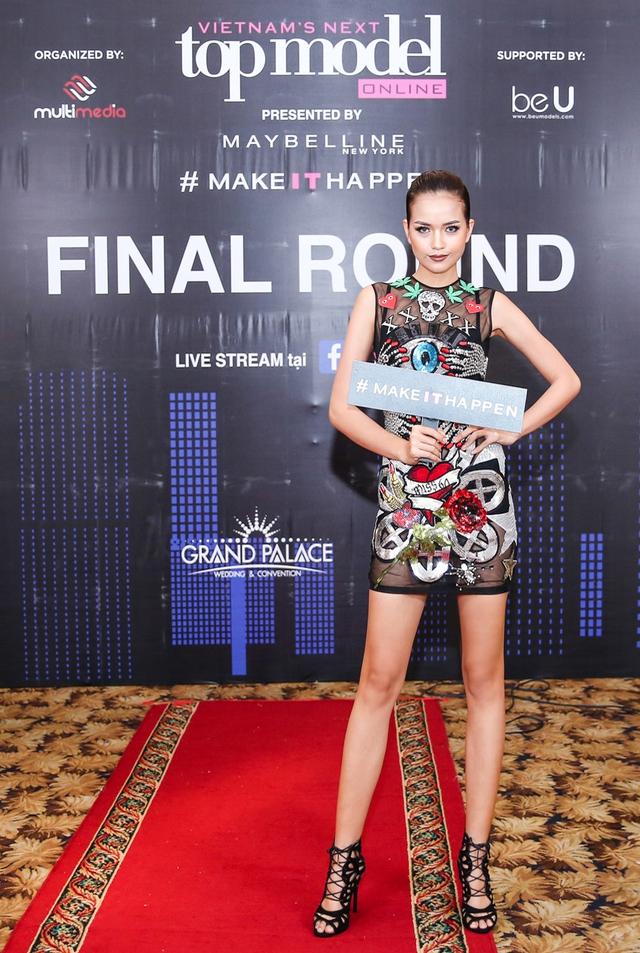 Mâu Thủy, Ngọc Châu nổi bật trong buổi chấm thi Top Model Online 2017 - Ảnh 4.