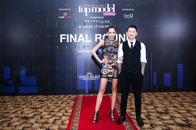 Mâu Thủy, Ngọc Châu nổi bật trong buổi chấm thi Top Model Online 2017 - Ảnh 5.