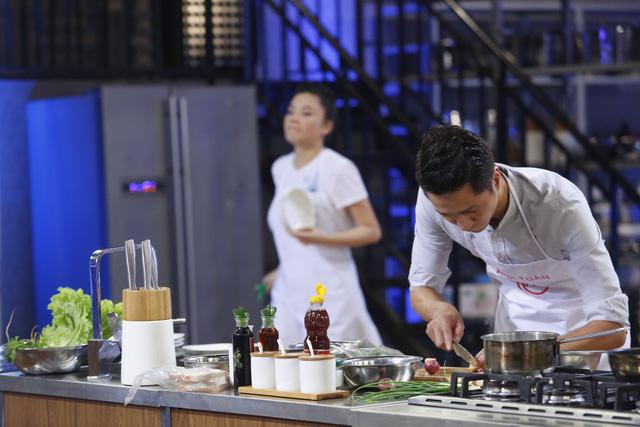Vua đầu bếp 2017: Pha Lê giành chiến thắng thuyết phục với bữa cơm gia đình - Ảnh 1.