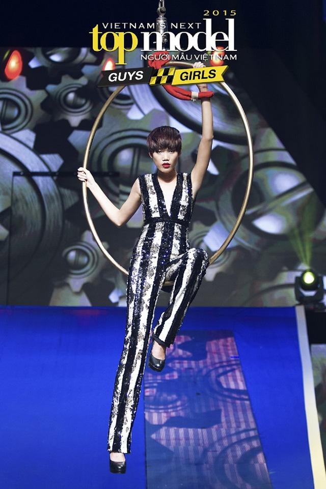 Trở lại Vietnams Next Top Model 2017, Nguyễn Hợp đòi nợ ngôi quán quân - Ảnh 1.