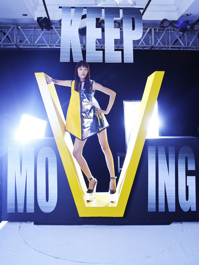 Trở lại Vietnams Next Top Model 2017, Nguyễn Hợp đòi nợ ngôi quán quân - Ảnh 3.