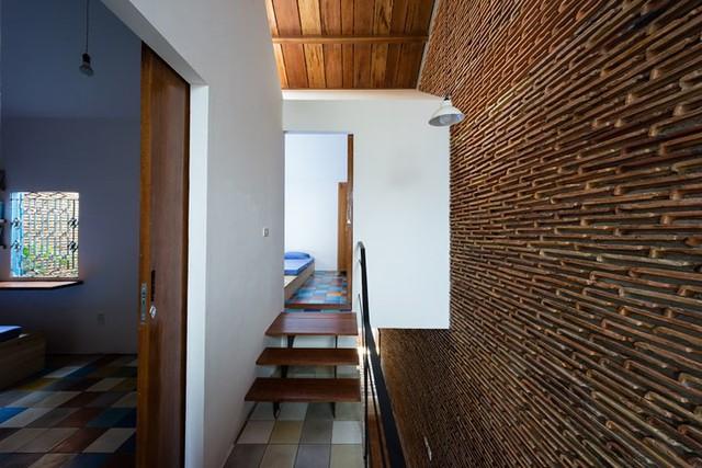 Căn nhà mái ngói yên tĩnh nhờ thiết kế độc đáo bên đường cao tốc - Ảnh 9.