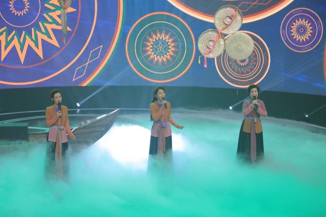 Giai điệu tự hào: Đinh Mạnh Ninh nồng nàn với Chín bậc tình yêu - Ảnh 4.