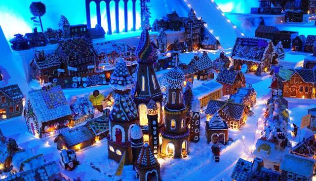 Khám phá thành phố bánh quy Giáng sinh lớn nhất thế giới - ảnh 1