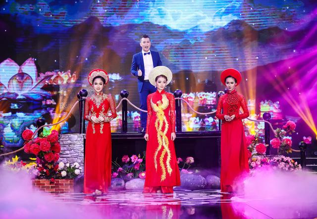 Sài Gòn đêm thứ 7 xuất hiện BST áo dài cưới độc đáo - Ảnh 4.