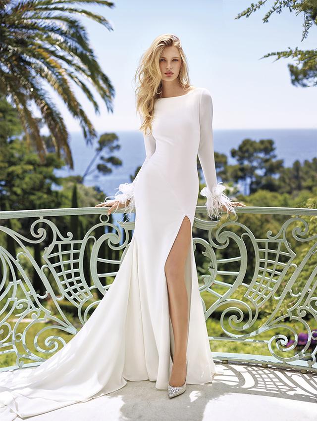 Những mẫu váy cưới tuyệt đẹp cho mùa cưới 2017 - Ảnh 1.