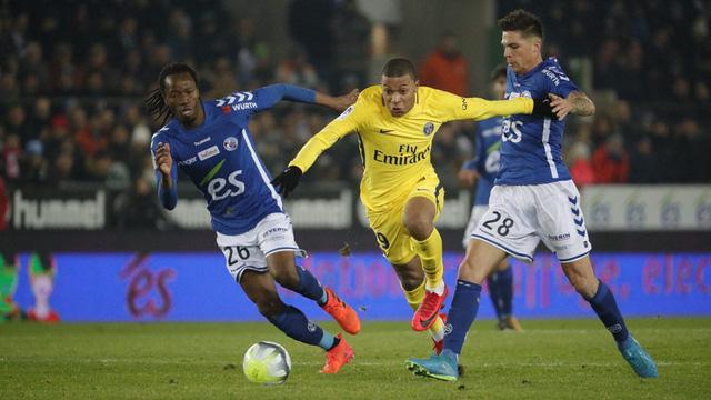 Kết quả bóng đá châu Âu rạng sáng 03/12: Man Utd thắng trận đại chiến, PSG thua trận đầu tiên - Ảnh 4.