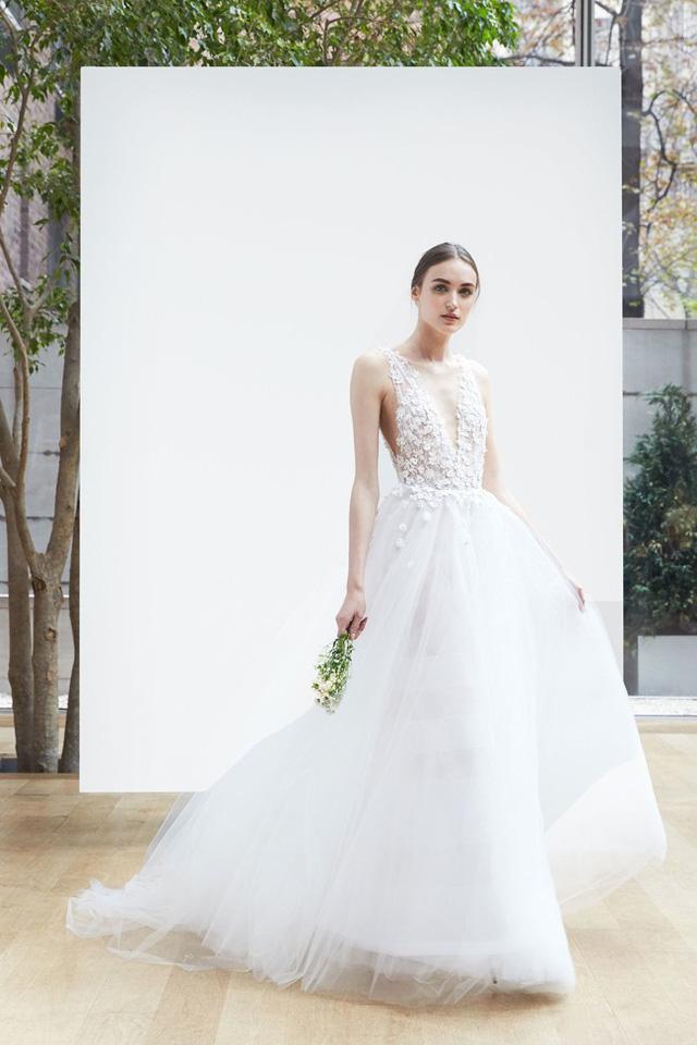 Mê mẩn những mẫu váy cưới vừa đơn giản, vừa sang chảnh - Ảnh 11.