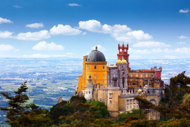 Lâu đài cổ - Một trong những nét đặc trưng của du lịch châu Âu - Ảnh 10.