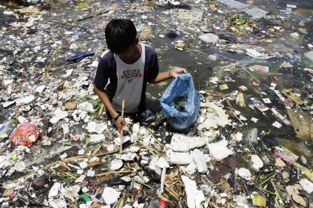8 triệu tấn rác thải nhựa đổ ra đại dương mỗi năm - Ảnh 3.