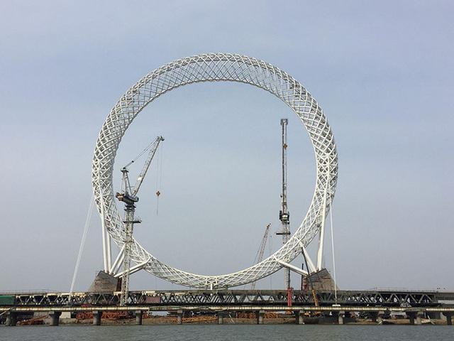 Trung Quốc khai trương vòng đu quay không trục lớn nhất thế giới - ảnh 1