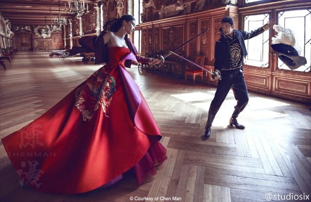 Ảnh cưới nóng bỏng giờ mới công bố của Angelababy và Huỳnh Hiểu Minh - Ảnh 1.