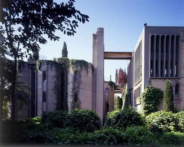 Bên trong biệt thự siêu sang được cải tạo từ nhà máy bỏ không - Ảnh 2.
