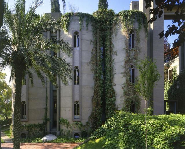 Bên trong biệt thự siêu sang được cải tạo từ nhà máy bỏ không - Ảnh 13.