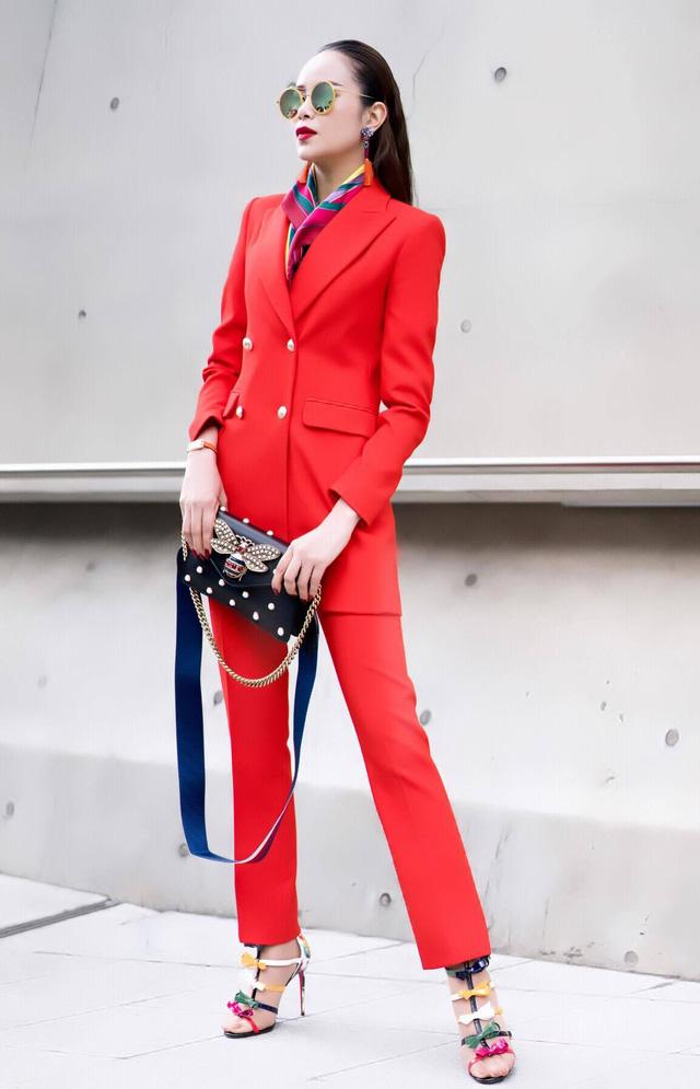 Diện đồ phong cách menswear, Hoa hậu Sella Trương siêu rực rỡ và sang chảnh - Ảnh 1.