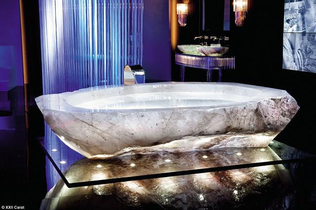 Bồn tắm triệu đô của giới nhà giàu ở Dubai - Ảnh 1.