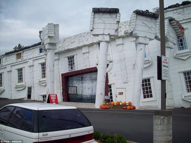Nhũng ngôi nhà lộn ngược nổi tiếng thế giới - Ảnh 8.