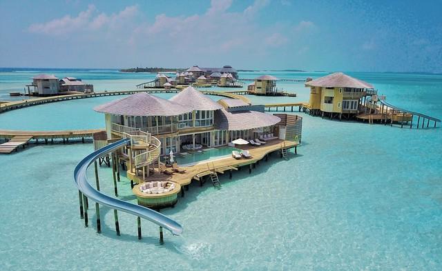 Xem phim, ăn tối giữa mênh mông biển trời Maldives - Ảnh 2.