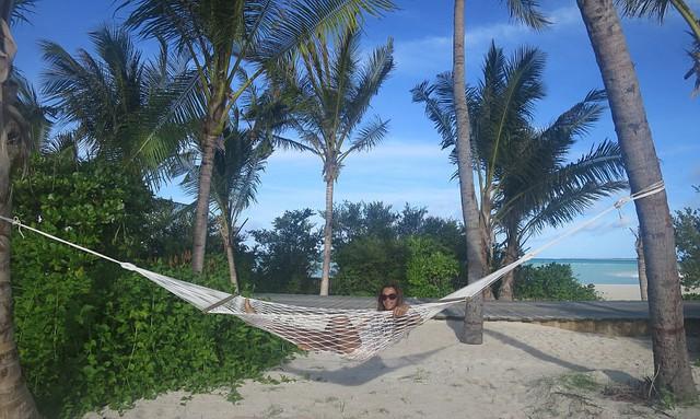 Xem phim, ăn tối giữa mênh mông biển trời Maldives - Ảnh 3.