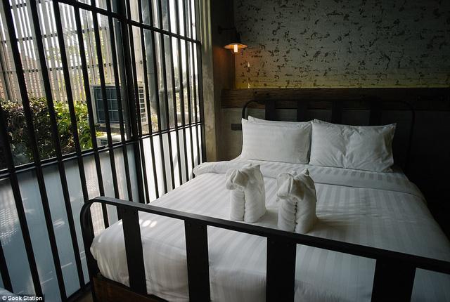 """Khách sạn """"lạnh lẽo"""" nhất Thái Lan mang phong cách nhà tù - Ảnh 2."""