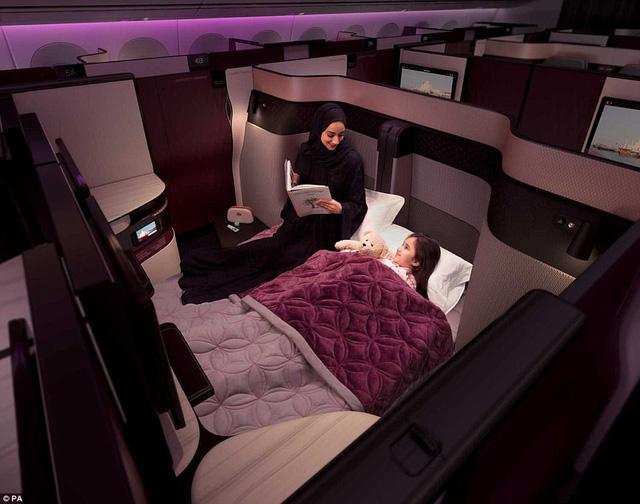 Hãng hàng không đầu tiên có giường đôi ở khoang thương gia - Ảnh 1.