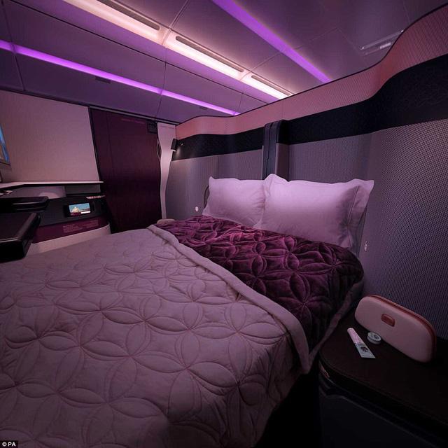 Hãng hàng không đầu tiên có giường đôi ở khoang thương gia - Ảnh 2.