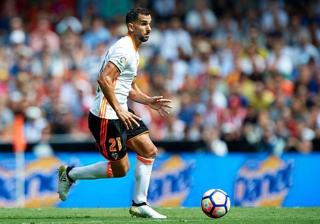 Martial, Sterling lọt vào đội hình tiến bộ nhất châu Âu đầu mùa giải này - Ảnh 2.