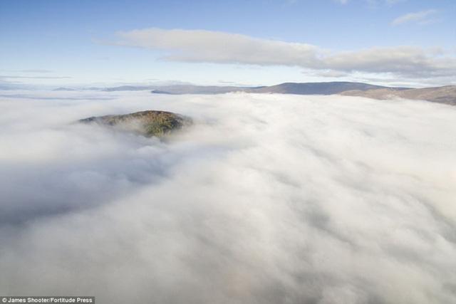 Cảnh mùa thu tuyệt đẹp ở Scotland nhìn từ trên cao - Ảnh 2.