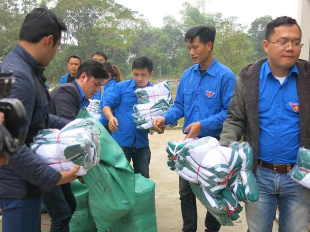 Quỹ tấm lòng Việt trao tặng học bổng cho các em học sinh ở Thanh Hóa - Ảnh 14.